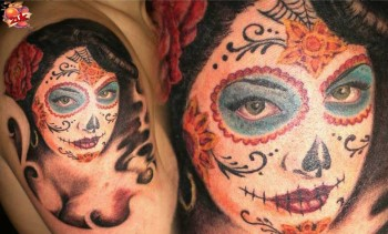 Tatuaje De Una Mujer Pintada De Calavera Mexicana