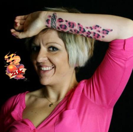 Tatuajes De Piel De Leopardo En Partes De El Cuerpo De Mujeres