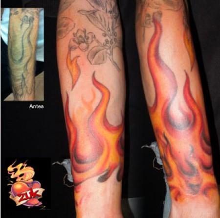 Tatuaje De Llamas En El Antebrazo Tatuajes De Fuego