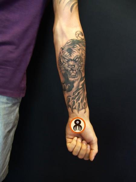 Tatuajes en antebrazo - Imagui