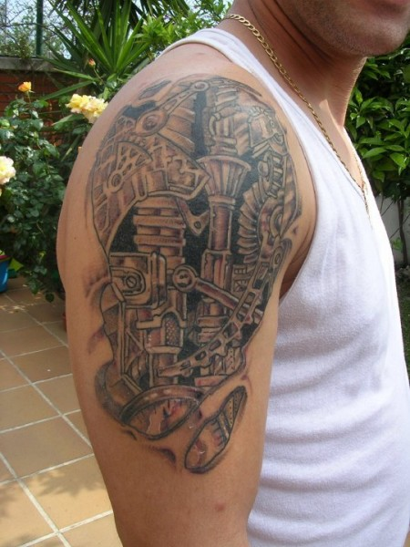 Tatuaje Del Interior Del Brazo Con Engranajes