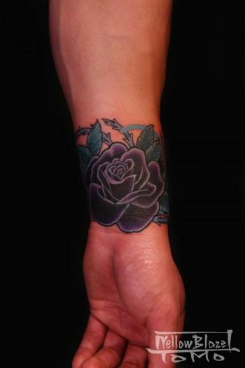 Tatuaje De Brazalete De Rosas