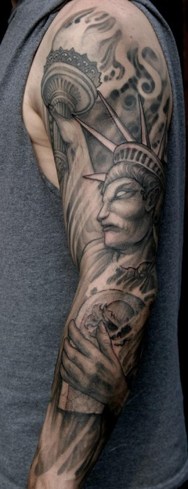 Tatuaje De Una Estatua De La Libertad Diabolica