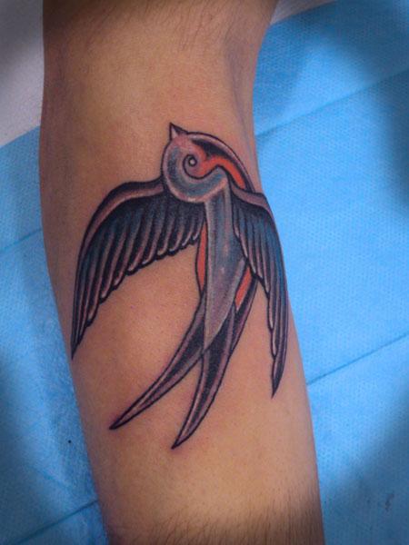 Tatuajes De Golondrinas Símbolo