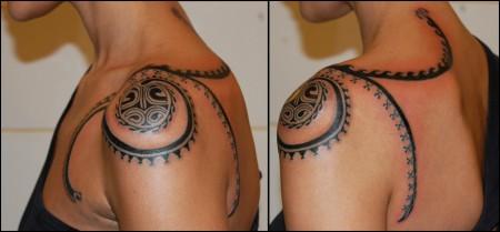 Tatuaje Maorí Para El Hombro De Una Mujer
