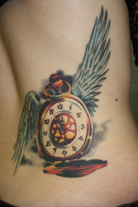 Tatuaje de un reloj con alas tatuajes de relojes for Reloj para tatuar