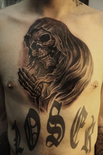 tattoo de la muerte en el pecho tatuajes en el pecho. Black Bedroom Furniture Sets. Home Design Ideas