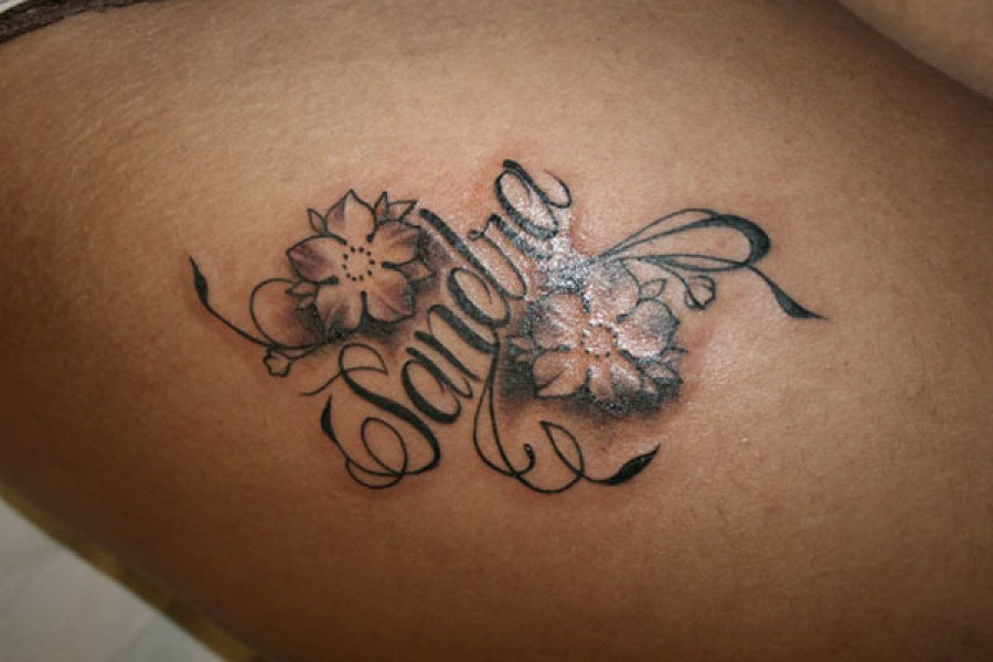 Tatuaje del nombre sandra y dos flores tatuajes de nombres - Tattoo chiffre ...