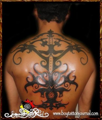 Tattoo de dragones de borneo