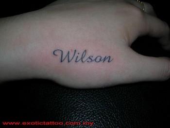 Tatuaje Del Nombre Wilson En La Mano