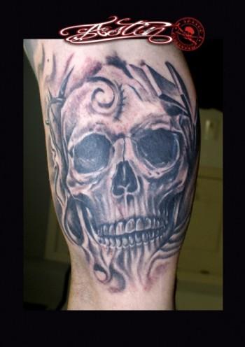 Hoja De Marihuana Tatuaje Blanco Y Negro Sfb