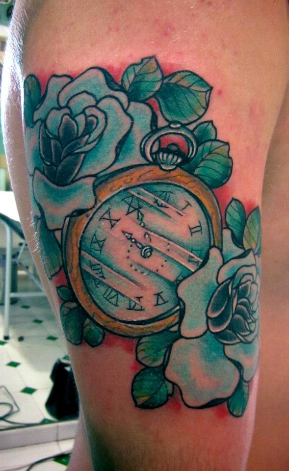 Tatuaje Reloj De Bolsillo Con Rosas Sfb