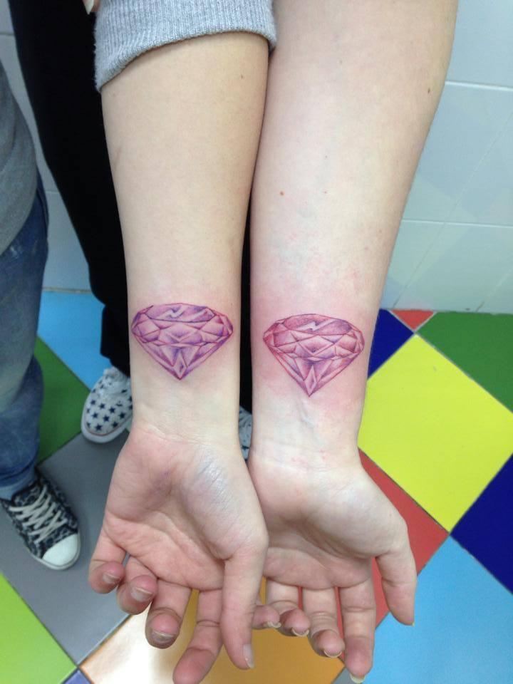 Tatuaje Para Parejas Diamantes Tatuados En El Antebrazo
