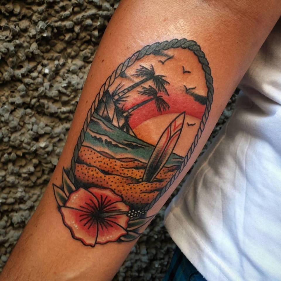 Tatuaje de una playa con una tabla de surf - Tattoo disenos a color ...