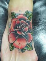 Rosa Old School tatuada